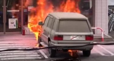 【北海道白石区】車検切れのRV車が炎上 燃えながらコンビニ駐車場へ向かってしまうwww